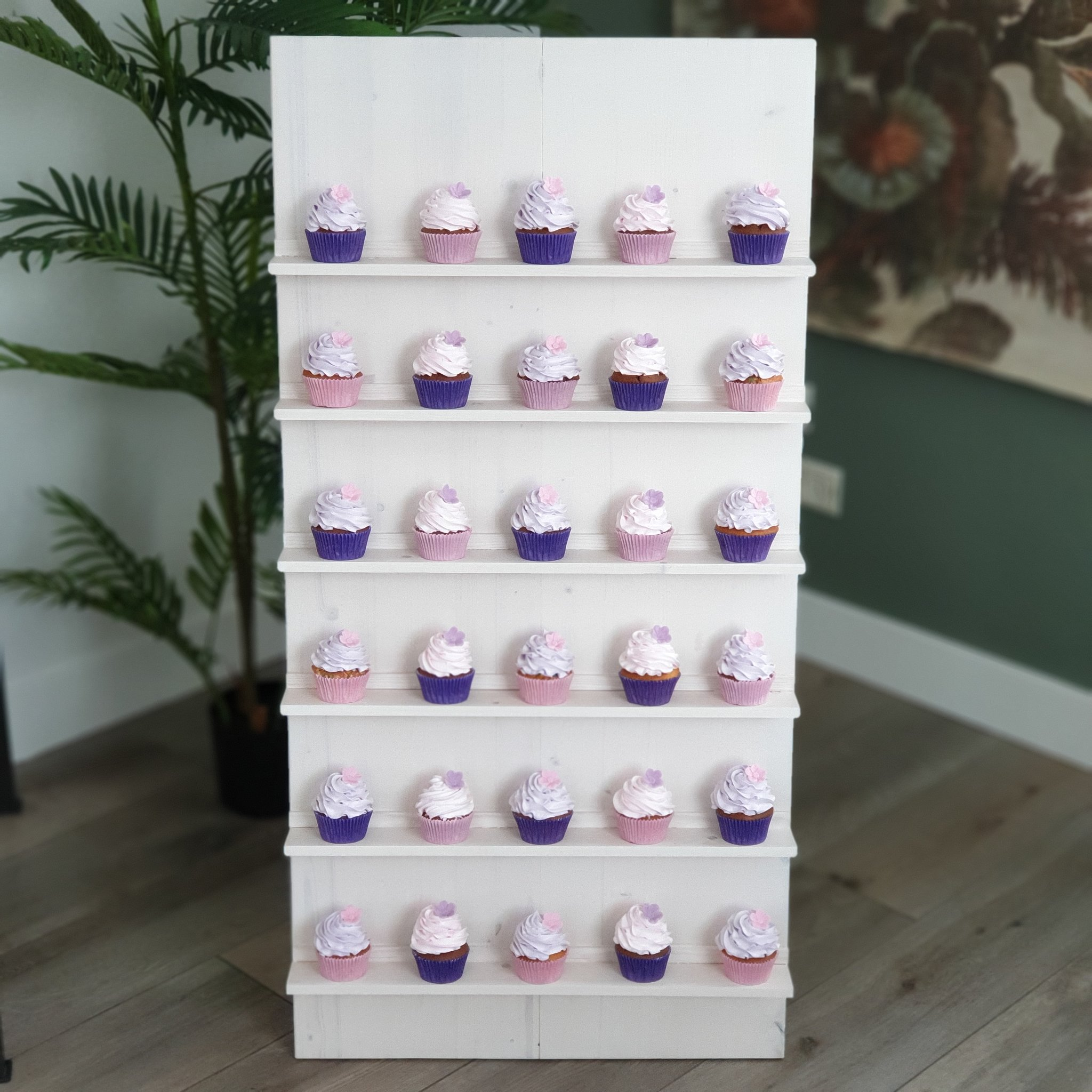 Cupcake Wall (Ref: CCW30)